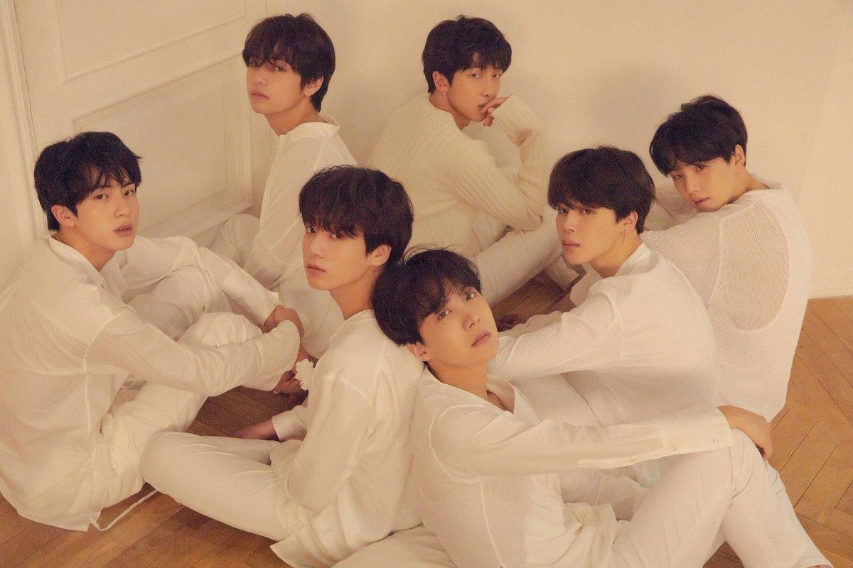 "BTS Sapu Bersih Chart Gaon Mingguan dengan ""Fake Love"" & ""Love Yourself: Tear"""