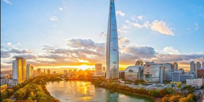 Nikmati Pengalaman Berjalan Di Atas Awan Di Lotte World Tower