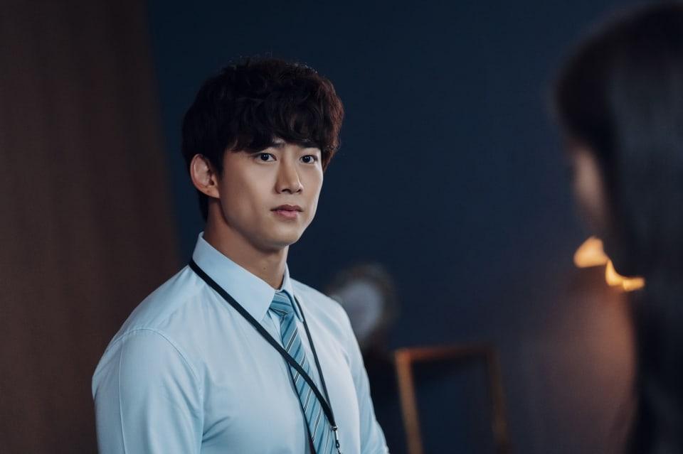 """Taecyeon 2PM Berubah Jadi Anak Magang yang Kikuk Tapi Penuh Semangat di  Drama """"Vincenzo"""" – KoreanIndo"""